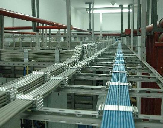 5线管的连接件:直接,螺接,弯头,接线盒,吊杆,固定卡子等;由施工队长